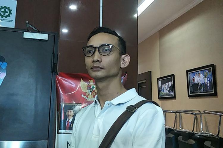 Nagra Kautsar Pakusadewo, putra Tio Pakusadewo, setelah melakukan konsultasi perihal kasus narkotika yang menjerat ayahnya di Gedung BNN, Cawang, Jakarta Timur, Minggu (10/6/2018).