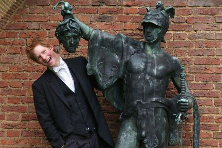 Prince Harry, Duke of Sussex, saat bersekolah di Eton College.