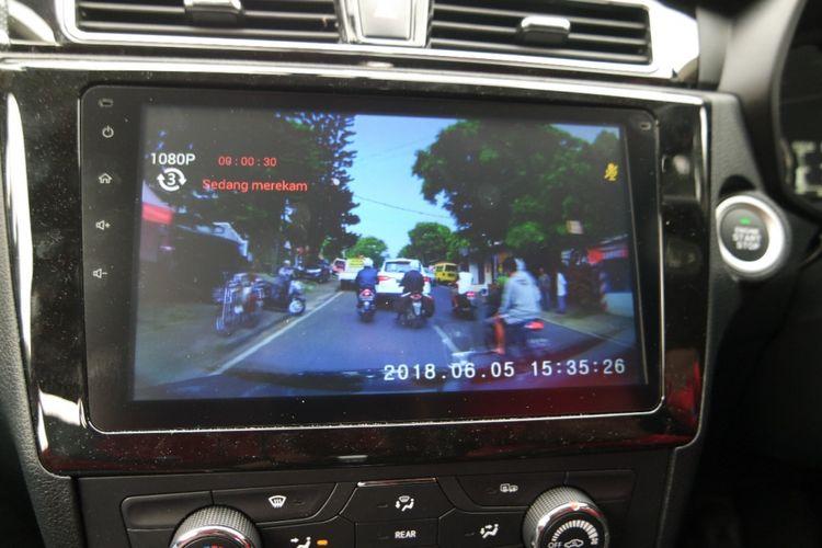 Hasil rekaman Vehicle Running Recorder atau kamera dasbor yang ada pada DFSK Glory 580.