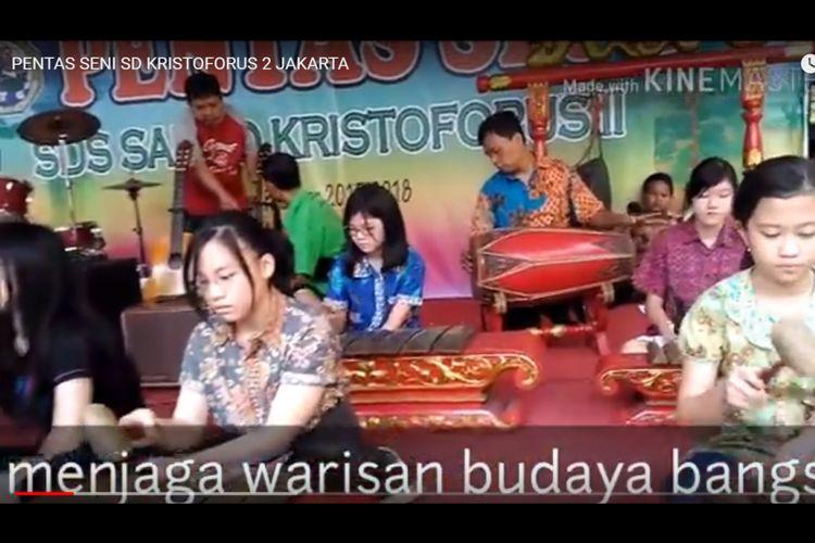 Pentas Seni SDS Kristoforus 2 Jakarta menampilkan kesenian gamelan (8/6/2018).