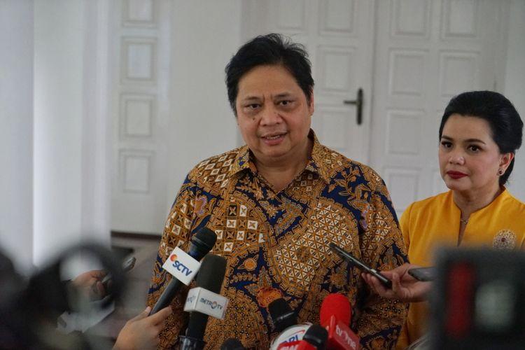 Ketua Umum Partai Golkar Airlangga Hartarto saat ditemui di sela-sela acara halalbihalal, di rumah dinas Wakil Presiden Jusuf Kalla, Jalan Diponegoro, Menteng, Jakarta Pusat, Jumat (15/6/2018).