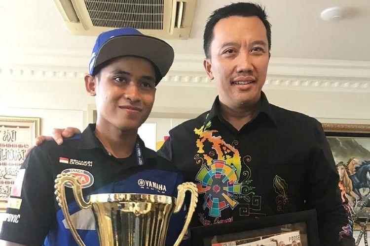 Pebalap Yamaha Indonesia Galang Pratama diundang Menteri Pemuda dan Olahraga Imam Nahrawi datang ke kantornya, di Jakarta, Kamis (21/6/2018).