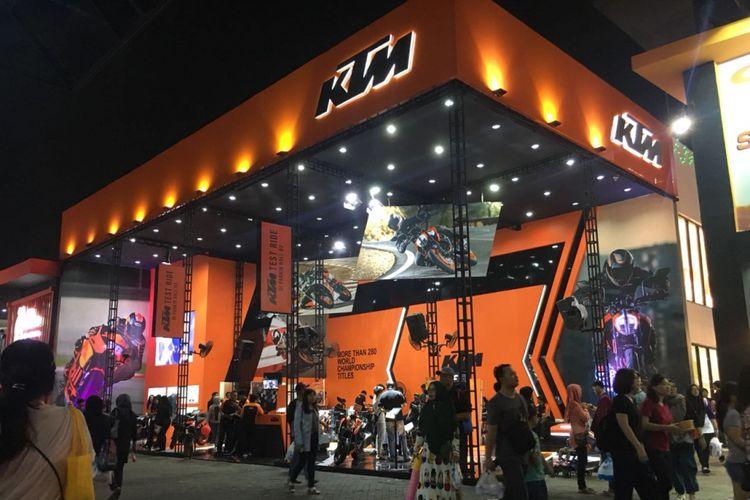 Booth KTM di Jakarta Fair Kemayoran (JFK) 2018.