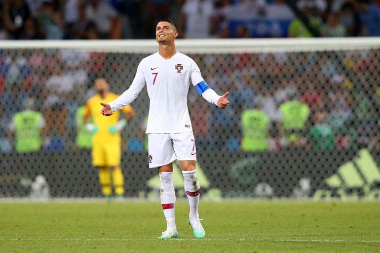 Cristiano Ronaldo saat membela timnas Portugal pada laga babak 16 besar Piala Dunia 2018 melawan Uruguay di Stadion Olimpiade Fisht, Sabtu (30/6/2018) atau Minggu dini hari WIB.