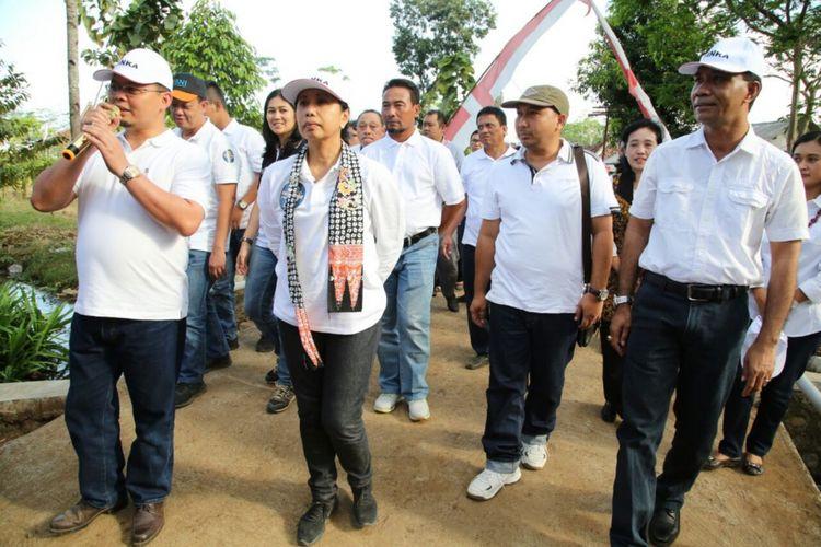 Menteri BUMN Rini Soemarno saat berkunjung ke Banyuwangi Minggu (1/7/2018).