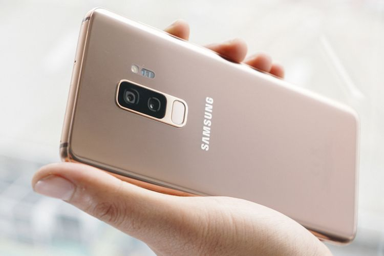 Galaxy S9 Plus edisi Sunrise Gold