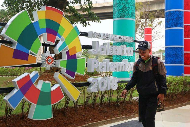 Sejumlah maskot dan logo Asian Games 2018  menghiasi Terminal 3 Bandara SOekarno-Hatta, Tangerang, Banten, Kamis (5/07/2018). PT Angkasa Pura AP (II) selaku pengelola bandara menyatakan siap memfasilitasi kedatangan dan kepulangan peserta Asian Games 2018 dengan menyiapkan sarana dan prasarana di tiga bandara yakni Bandara Soekarno Hatta, Bandara Sultan Mahmud Badaruddin II Palembang dan Husein Sastranegara Bandung.