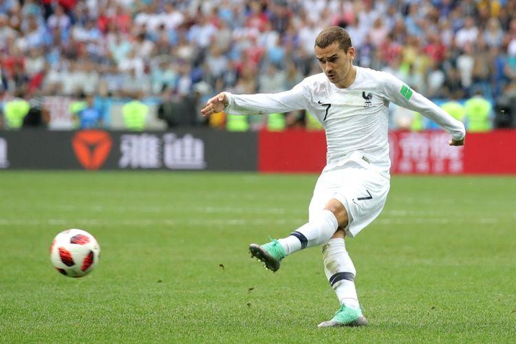 Penyerang Perancis, Antoine Griezmann saat melawan Uruguay pada babak perempat final Piala Dunia 2018 di Nizhny Novgorod Stadium, Jumat (6/7/2018).