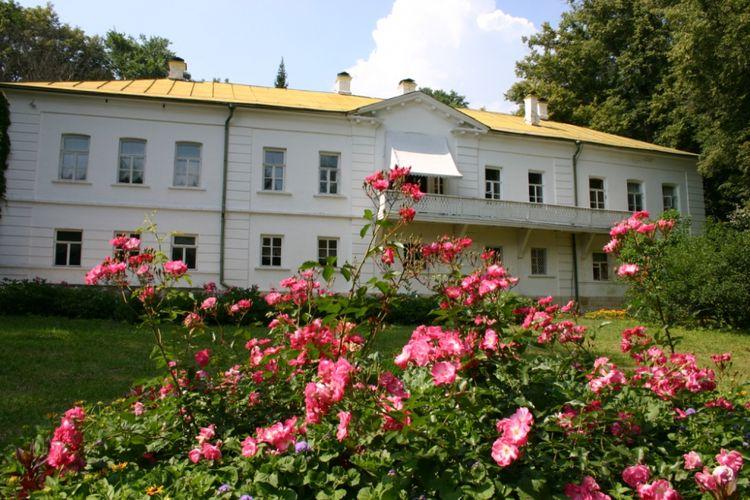 Rumah Leo Tolstoy, tempat ia menghabiskan hamir seluruh hidupnya