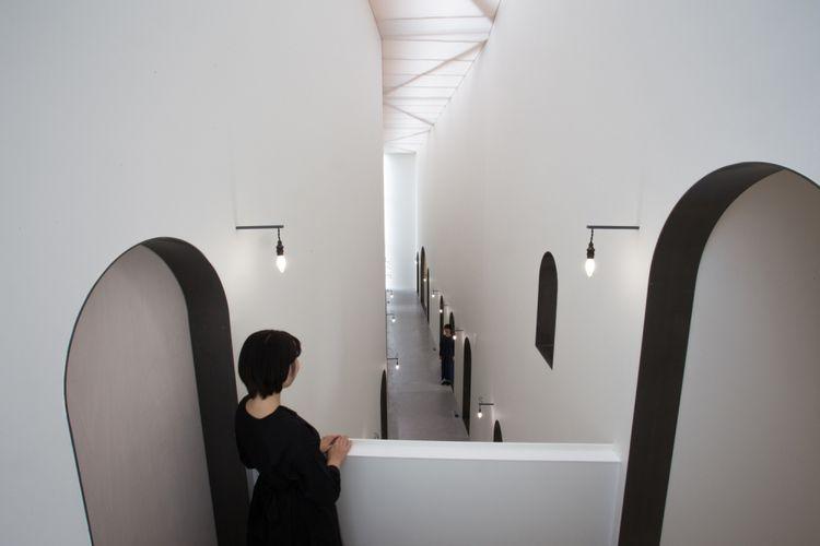 Klinik gigi NK di Jepang memiliki interior unik yang membuat ruangannya terlihat lebih luas dari ukuran asli.