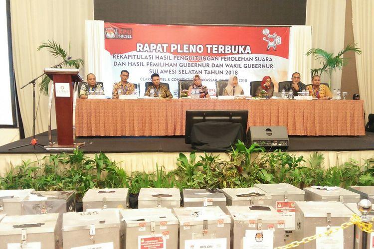 KPU menggelar rapat pleno hasil perhitungan suara Pemilihan Gubernur dan Wakil Gubernur Sulsel di Hotel Grand Clarion,  Makassar,  Minggu (8/7/2018) hingga Senin (9/7/2019) subuh.