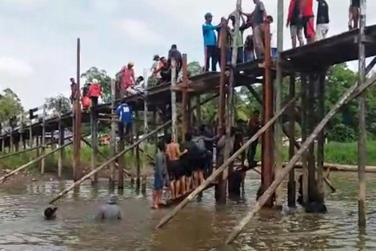 Kepala Sekolah yang Membangun Jembatan Agar Murid dan Guru Tidak Bolos ke Sekolah