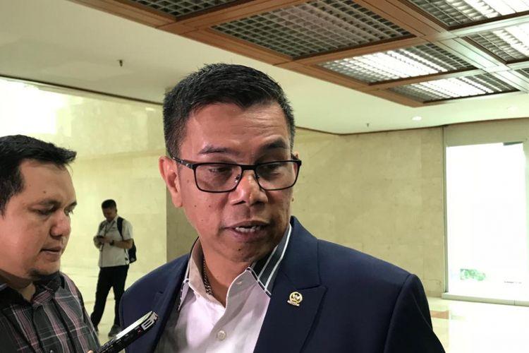 Anggota Komisi III DPR RI Hinca Panjaitan saat ditemui wartawan di Kompleks Parlemen, Senayan, Jakarta, Senin (23/7/2018).
