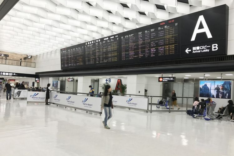 lobi kedatangan A Terminal 2 Bandara Narita