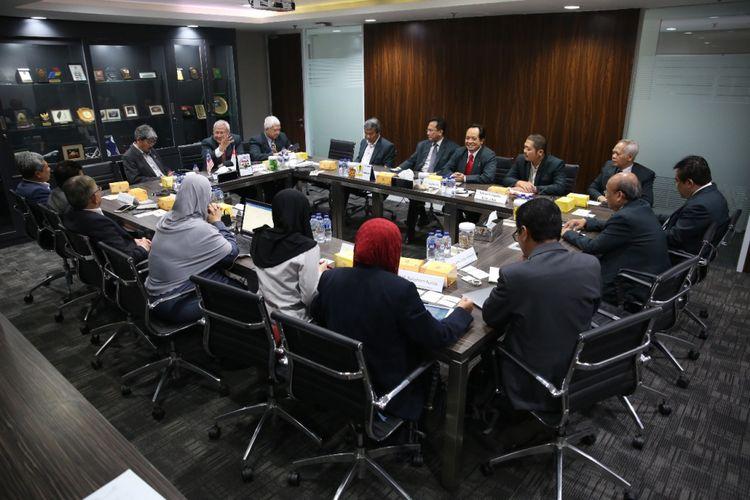 Pimpinan Universitas Pertamina menerima kunjungan Government Link Universities (GLU), aliansi universitas yang dimiliki oleh organisasi di bawah pemerintah Malaysia yang terdiri dari Universiti Teknologi Petronas (UTP), Universiti Kuala Lumpur (Uni-KL), Multi Media University (MMU), dan Universiti Tenaga (UNITEN) pada Rabu, (010/8/2018).