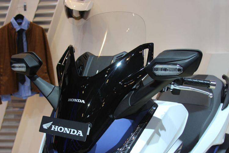 Honda Forza 250.