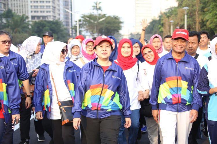Menko PMK Puan Maharani mengikuti jalan sehat bersama seluruh pegawai Kementerian Pendidikan dan Kebudayaan untuk menyosialisasikan Asian Games 2018, Sabtu (4/8/2018)