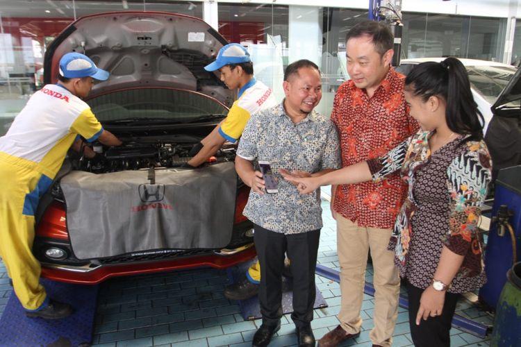 Aplikasi HondaMTM yang diluncurkan jaringan diler Honda Megatama Group untuk melayani konsumen yang ingin datang menservis kendarannya.