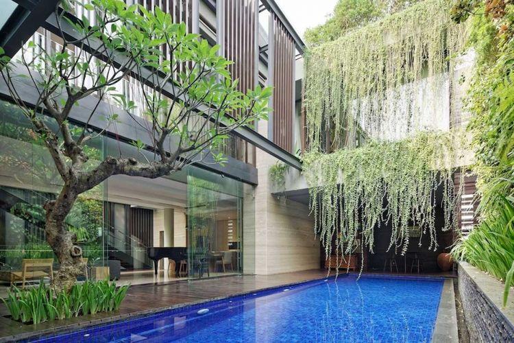 Desain kolam renang BEN HOUSE di Jakarta karya Gets Architects.
