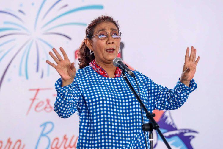 Menteri Kelautan dan Perikanan Susi Pudjiastuti saat memberi sambutan pada Festival Muara Baru 2018 di Dermaga Barat PPS Nizam Zachman, Jakarta, Sabtu (11/8/2018).