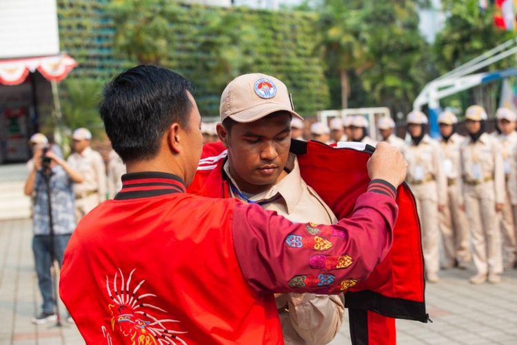 Menteri Pemuda dan Olahraga Imam Nahrawi melepas peserta Kirab Pemuda 2018. Pelepasan ini ditandai dengan adanya Apel Pengukuhan dan Pelepasan, di Kemenpora, Senayan, Jakarta, Minggu (2/9/2018).