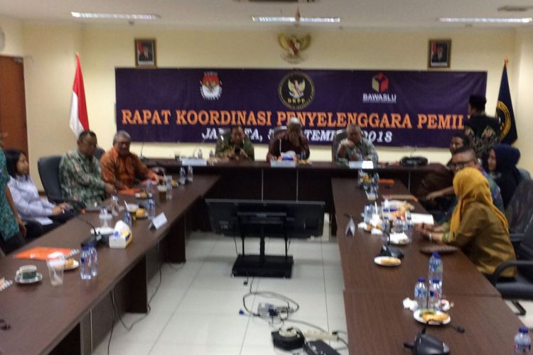 Pertemuan DKKPP, Bawaslu, dan KPU