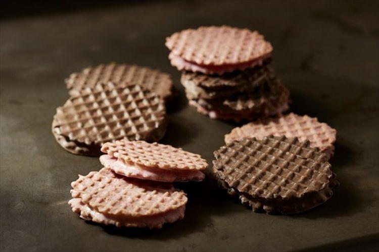 Waffle Custard Sandwich