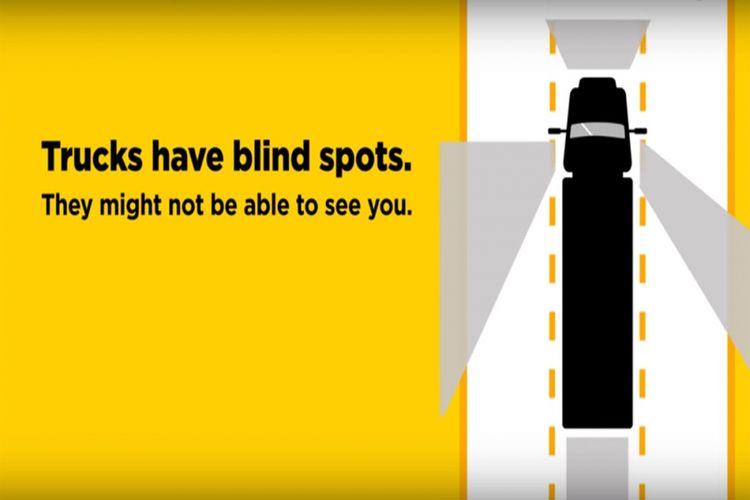 Blind spot truk posisi setir kiri.