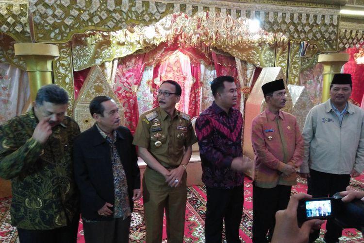 Sejumlah kepala daerah di Sumatera Barat memberikan dukungan ke Jokowi, Selasa (18/9/2018)