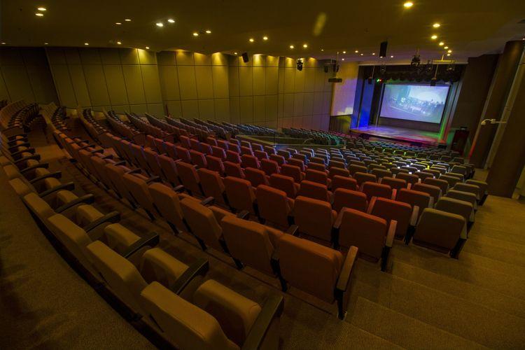 Ruang Titan Theater sebagai salah satu fasilitas dari Titan Center