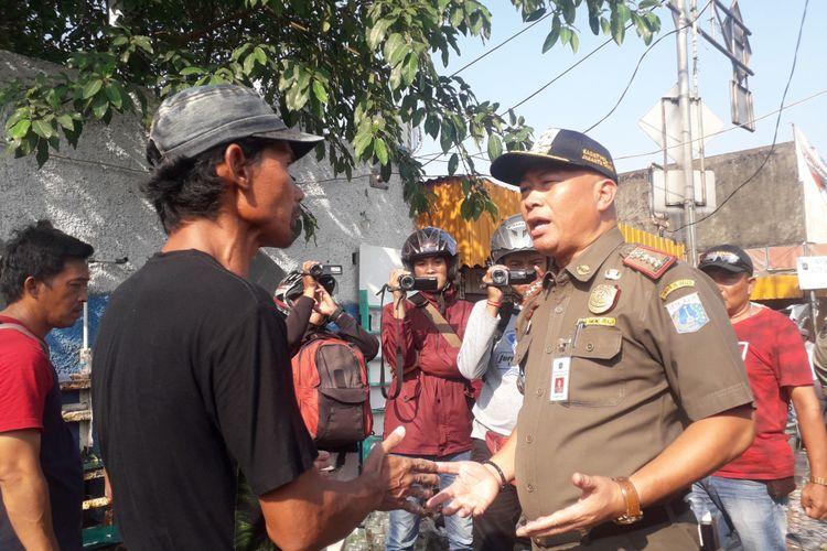 Koordinator pedagang memprotes penertiban PKL Ikan Hias Jatinegara