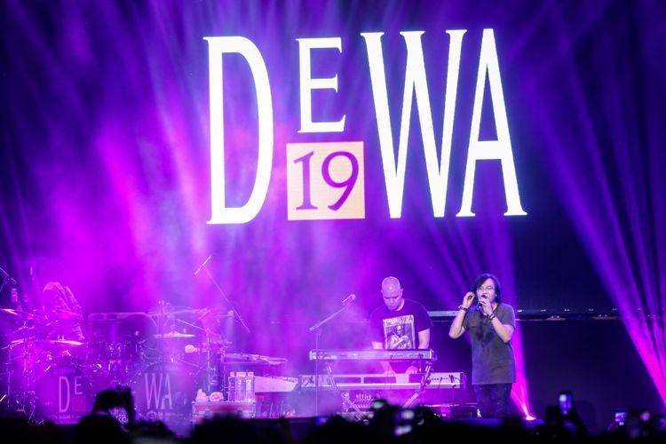 Grup band Dewa 19 bereuni di Synchronize Fest 2018 di Gambir Expo, Kemayoran, Jakarta Pusat, Minggu (7/10/2018). Foto: Maulana Mahardika