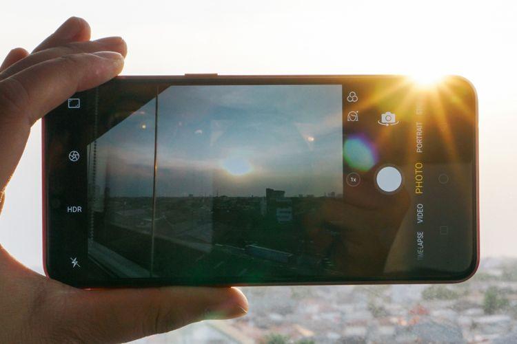 Antarmuka kamera Realme 2. Berbekal kamera ganda, ponsel ini mampu mengambil jepretan foto dengan efek bokeh alias background blur.