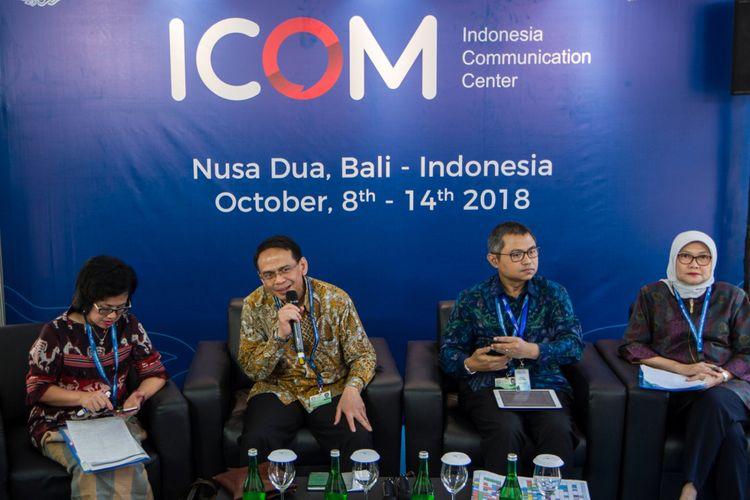Kepala Departemen Manajemen Risiko Bank Indonesia (BI) Eni V. Panggabean (kiri), Kepala Departemen Internasional BI Doddy Zulverdi (kedua kanan) dan Kepala Departemen Pengelolaan Sistem Informasi BI Diah Lubis (kanan) menjadi narasumber dalam Media Briefing Seminar IMS dan Cyber Security di ICom, Nusa Dua, Bali, Rabu (10/10/2018). Sesi ini dalam rangkaian Pertemuan Tahunan IMF - World Bank Group 2018.