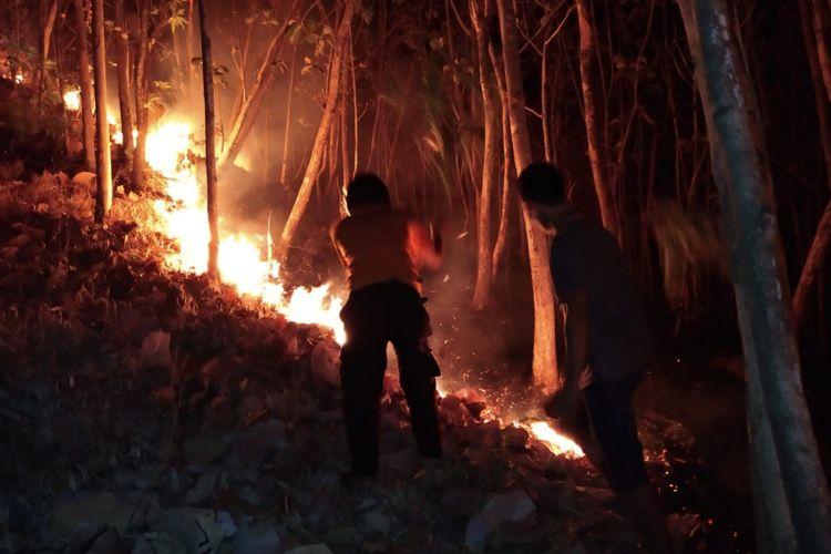 Kekeringan di Kabupaten Magetan menyebabkan kebakaran hutan dan lahan di Gunung Bancak Kabupaten Magetan.