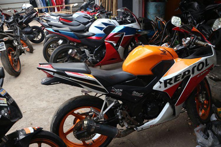 Bengkel Pitline Motor Sport, spesalis Honda CBR di Raden Inten Duren Sawit, Jakarta Timur.