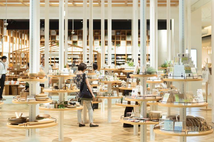 "Hokkaido Kurashi Hyakkaten yang memiliki konsep ""Ayo tinggal bersama barang khas Hokkaido""."