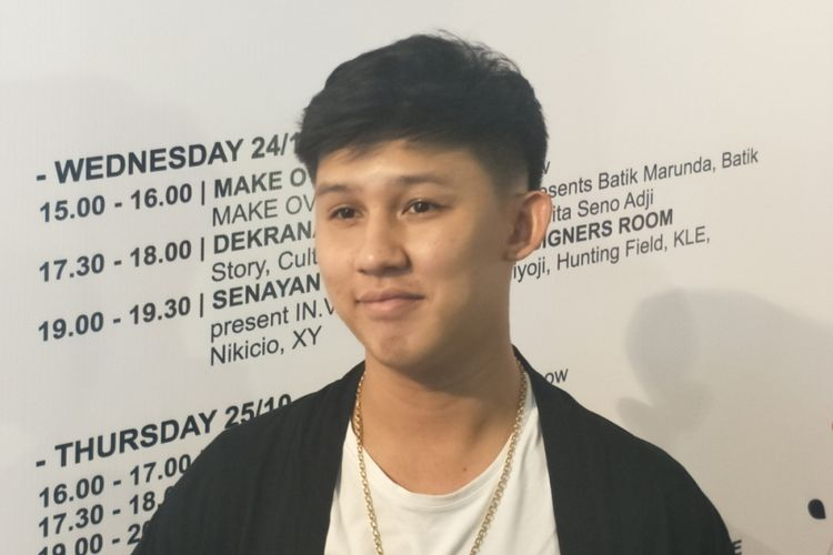 Jevin Julian saat menghadiri Jakarta Fashion Week (JFW) di pelataran Senayan City, Jakarta Pusat, Rabu (24/10/2018) malam.