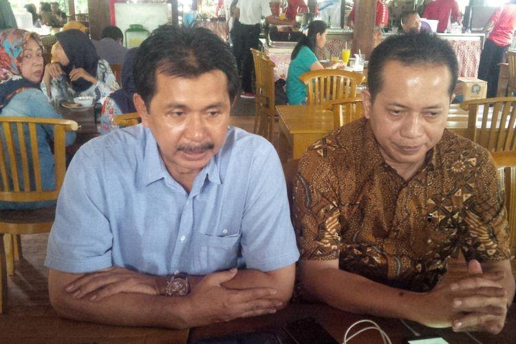 Juru Bicara Badan Pemenangan Prabowo-Sandi Provinsi Jateng Sriyanto Saputro (kiri) dan Juru Bicara Badan Pemenangan Nasional Prabowo-Sandi Ferry Juliantono dalam konferensi pers di Solo, Jawa Tengah, Minggu (4/11/2018).