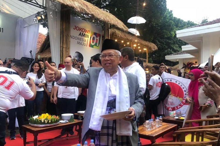 Calon wakil presiden nomor urut 1, Maruf Amin, ketika meresmikan Rumah Aspirasi di Jalan Proklamasi, Minggu (4/11/2018).
