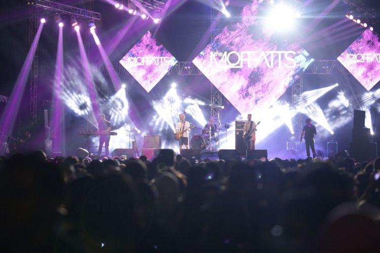 Grup musik asal Kanada, The Moffats tampil perdana di The 90s Festival, Gambir Expo, Kemayoran, Jakarta Pusat, Sabtu (10/11/2018). Penampilan tersebut merupakan yang pertama setelah mereka reuni kembali.