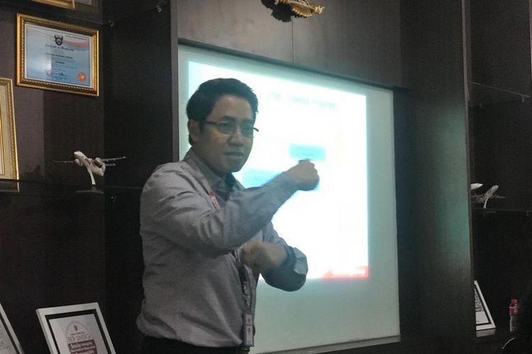 Direktur Angkasa Training Center, Dibyo Soesilo di kantornya, Tangerang, Banten, Senin (12/11/2018).