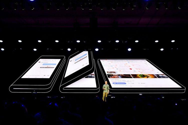 Konsep ponsel layar lipat Samsung dengan Infinity Flex Display yang bisa berubah dari smartphone menjadi tablet.