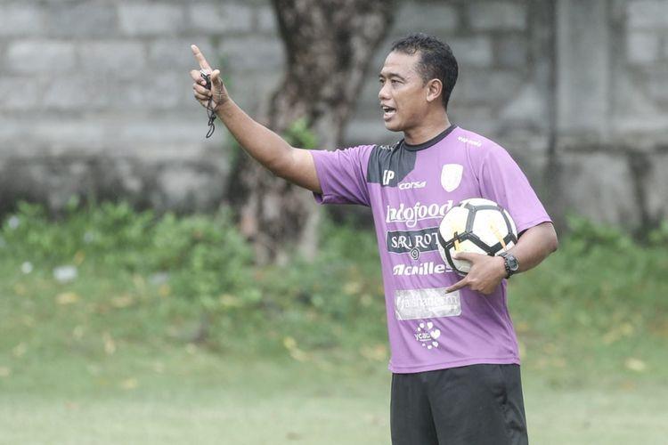 Eko Purdjianto, pelatih sementara Bali United yang menggantikan Widodo C Putro untuk dua laga sisa Liga 1 2018.