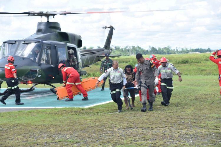 Kondisi evakuasi jenazah di Bandara Timika