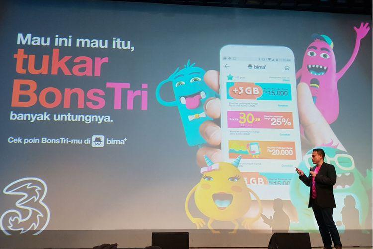 Tri memperkenalkan mekanisme baru untuk pelanggan yang ingin menukar poinnya. Kini pelanggan dapat pelanggan dapat menukar poin BonsTri secara langsung melalui aplikasi Bima Plus.