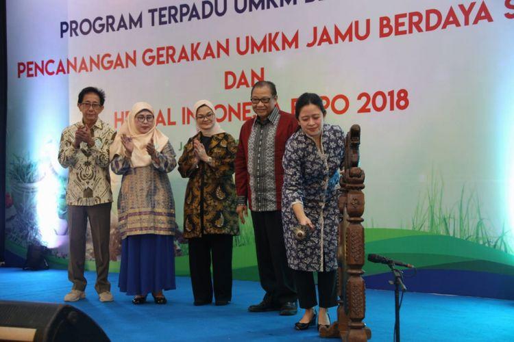 Menko Puan saat menghadiri acara Pencanangan Gerakan UMKM Jamu Berdaya Saing dan Herbal Indonesia Expo 2018 di Smesco Tower, Jakarta, Rabu (12/12/2018).