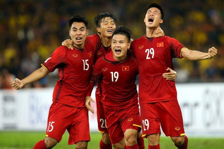 Para pemain Timnas Vietnam merayakan gol pada laga melawan Vietnam pada laga final Piala AFF 2018 di Stadion Bukit Jalil, 11 Desember 2018.