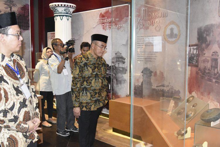 Mendikbud Muhadjir Effendy saat mendampingi Presiden Joko Widodo (Jokowi) meresmikan Museum Islam Indonesia Hasyim Asyari di Pondok Pesantren Tebuireng, Kabupaten Jombang, Jawa Timur, (18/12/2018).