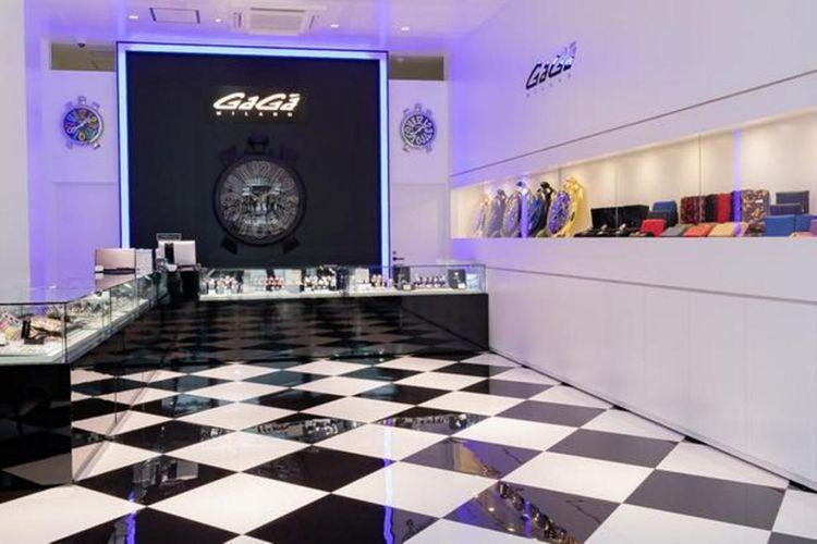 Merupakan toko pertama GaGa Milano yang populer dengan jam tangannya yang unik